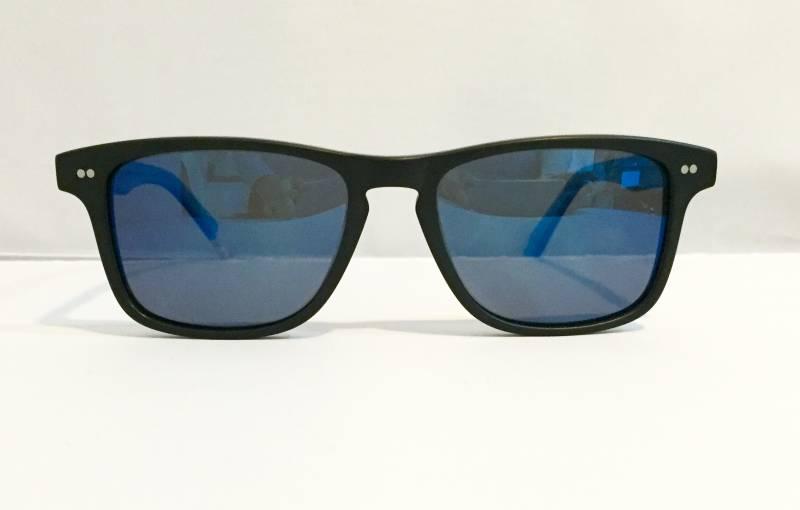 Vue de face lunettes de soleil Slash